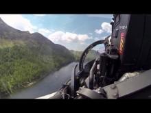 Embedded thumbnail for V kokpitu nízko letícího Typhoonu přes Mach Loop