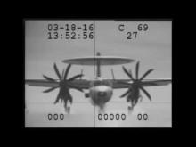 Embedded thumbnail for Prasklé lano při přistávání radarového letadla na USS Eisenhower